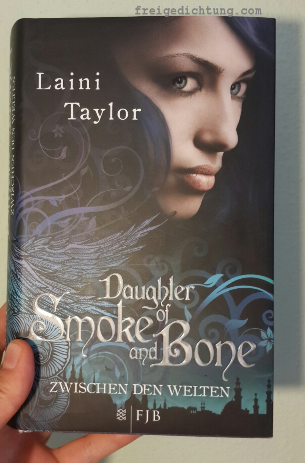38-daughter-of-smoke-and-bones