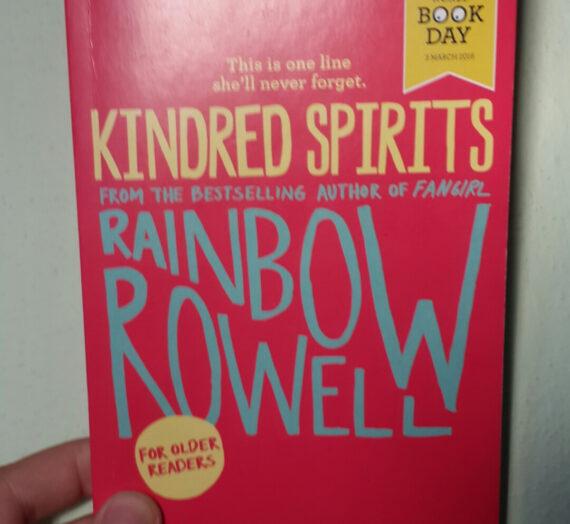 [Rezension] Rainbow Rowell: Kindred Spirits