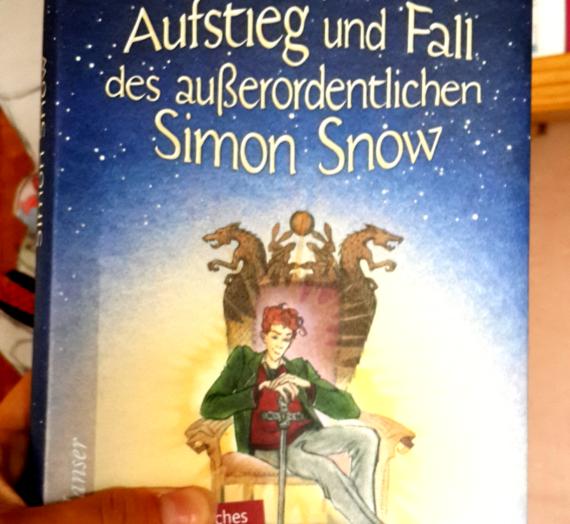 [Rezension] Rainbow Rowell: Aufstieg und Fall des außerordentlichen Simon Snow